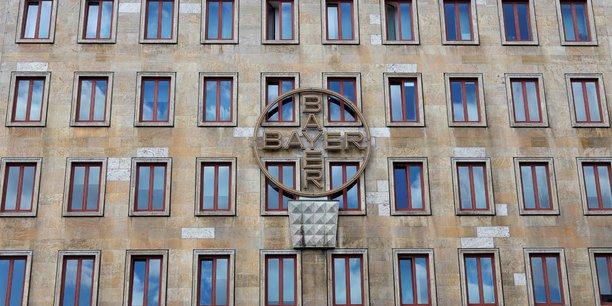 Bayer charge des avocats d'enqueter sur les fichiers de monsanto[reuters.com]