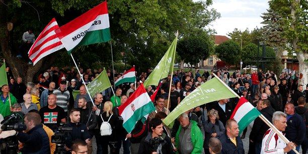 Manifestation de la droite extreme dans l'est de la hongrie[reuters.com]