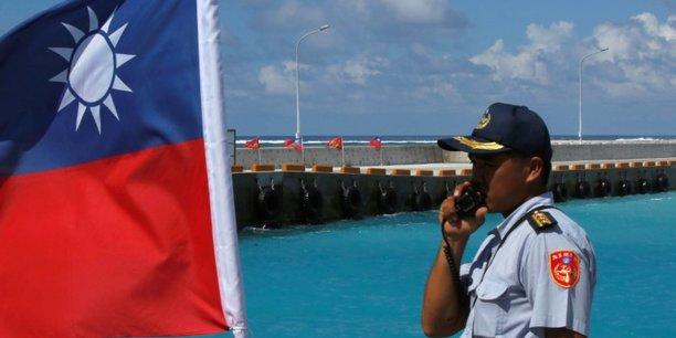 Les etats-unis ont envoye deux navires dans le detroit de taiwan[reuters.com]