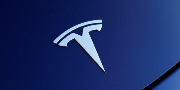 Tesla : les doutes font plonger le titre, mais les marchés financent la dette