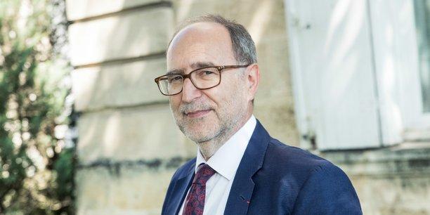 Philippe Vigouroux est le directeur général du CHU de Bordeaux depuis 2014. Il préside également la commission recherche et innovation au sein de la Conférence des directeurs généraux de CHU.