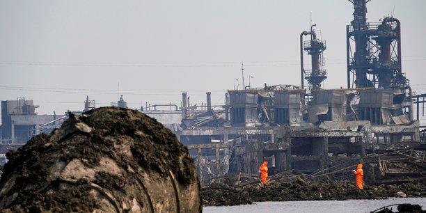 La chine prevoit de deplacer 80% de ses usines chimiques[reuters.com]