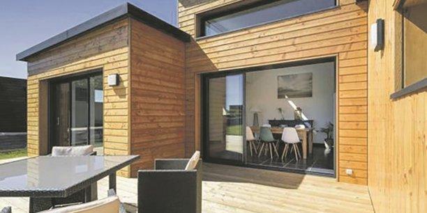 Les maisons à ossature bois et toit plat ont la cote.