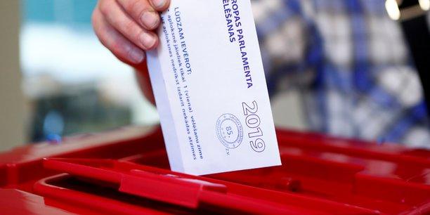Quatre jours de scrutin et 427 millions d'electeurs a travers l'europe[reuters.com]
