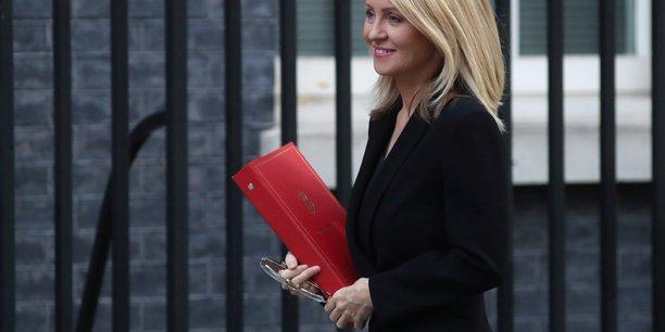 Succession de may: mcvey prete a un brexit sans accord, raab veut renegocier[reuters.com]