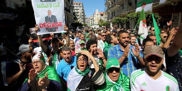 Vendredi dernier, les Algériens étaient encore une fois dans les rues de la capitale, réclamant notamment le départ des «hommes de l'ancien régime»et l'annulation de la présidentielle du 4 juillet.