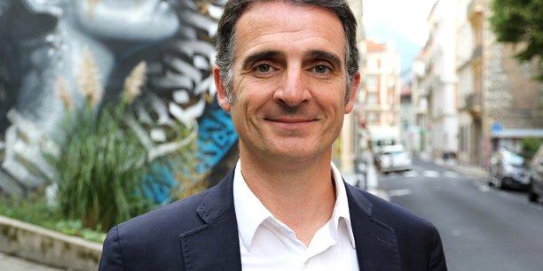 Eric Piolle est le seul maire écologiste d'un grande ville, Grenoble (160.000 habitants)