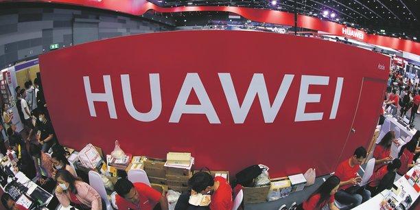 En mai, l'administration Trump a placé Huawei sur une liste rouge d'entreprises soumises à des restrictions en matière commerciale. Plusieurs firmes occidentales ont alors décidé que le géant chinois ne pourrait plus utiliser leurs produits.