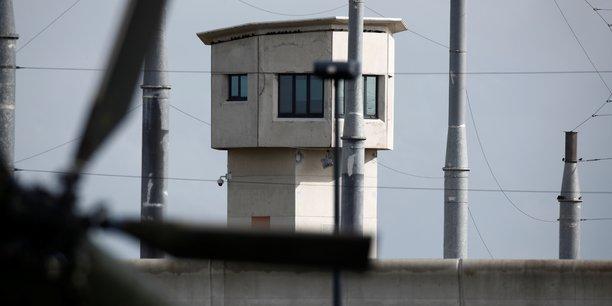 Prise d'otages dans la prison de conde-sur-sarthe[reuters.com]