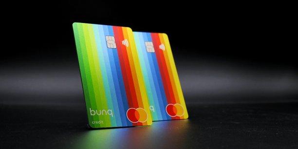 Pourquoi est-il préférable de payer chaque mois pour des services en ligne comme ceux des néo-banques?