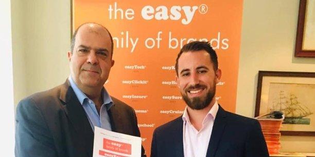 Sir Stelios Haji-Ioannou, chairman de easyGroup, et Romain Mefret, président de Blackmice, dans les locaux de easyGroup à Londres