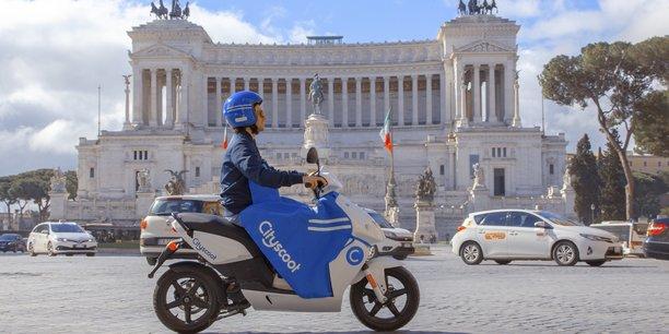 Un scooter électrique en libre-service de Cityscoot à Rome.