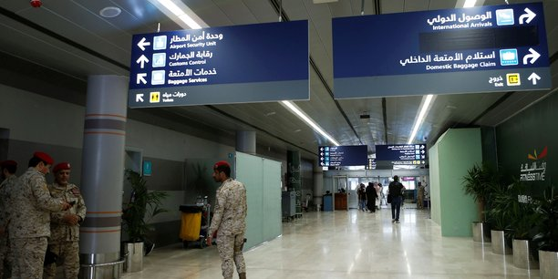 Deux aeroports saoudiens vises par des drones houthis[reuters.com]