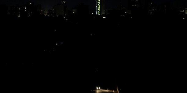 L'amerique du sud victime d'une immense panne electrique[reuters.com]
