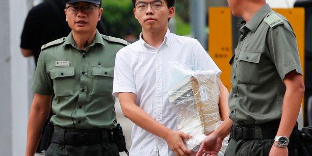 Hong kong: le militant pro-democratie joshua wong a ete libere[reuters.com]