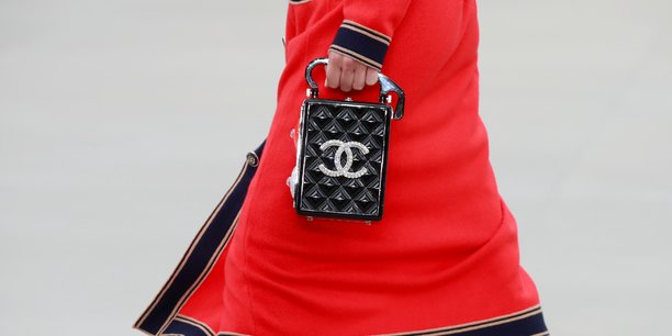 Chanel franchit les 11 milliards de dollars de ventes et reaffirme son independance[reuters.com]