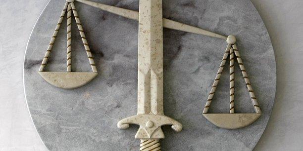 Une magistrate de versailles agressee a son domicile[reuters.com]