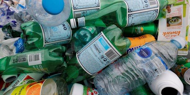 Le recyclage des emballages ménagers est estimé à 70% en 2018 après 67,5% en 2017, alors que la loi imposait 75% pour 2012, regrette la Cour des comptes.