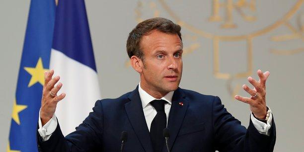 Malgré une remontée d'Emmanuel Macron, le Premier ministre Edouard Philippe reste toujours devant en termes d'opinions positives avec un écart de quatre points.