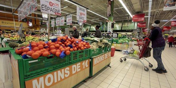 La consommation, profitant du retour du moral des ménages à son niveau de long terme augmenterait de 0,4% par trimestre, a expliqué l'Insee.