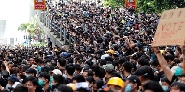 Des manifestants rassemblés à Hong Kong.