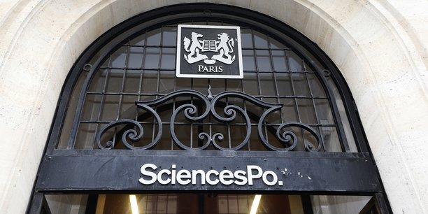 Richard Descoings avait ouvert Sciences Po à des élèves issus des quartiers populaires en 2001.