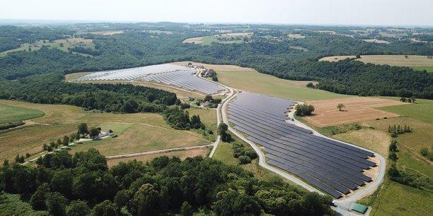 Centrale solaire au sol d'Essendiéras (Dordogne) développée par CVE