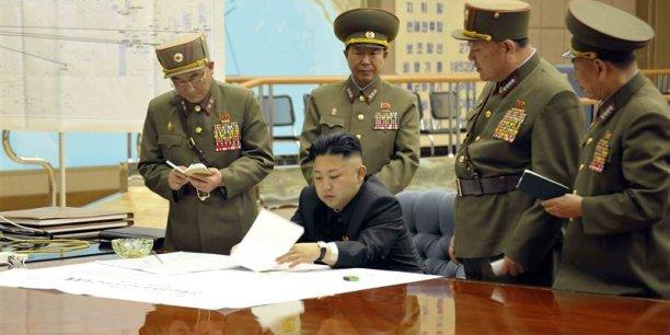 Grâce à des technologies chinoises et russes essentiellement, mais aussi pakistanaises, Pyongyang est donc parvenu au fil du temps à développer toute une série de vecteurs opérationnels de type No Dong 1 et 2 à propulsion liquide, qui ont respectivement une portée de 1.300 kilomètres et de 1.500 kilomètres,Copyright Reuters