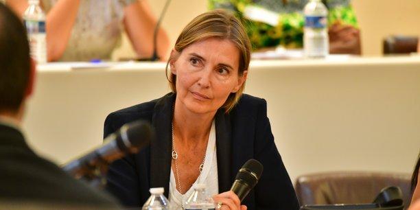 Anne-Sophie Carrier, lors d'une table ronde sur le thème « Construire une filière métiers du Grand-âge et de l'Autonomie sur la Métropole de Lyon ? » organisée à la Métropole de Lyon, en juin dernier.