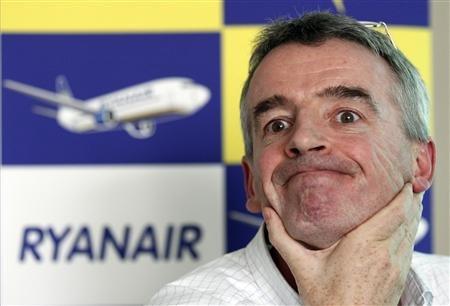 Michael O'Leary, le directeur général de Ryanair a imposé le droit irlandais à tous les salariés de la compagnie