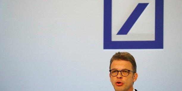 Le patron de deutsche bank reprimande des employes pour des costumes[reuters.com]