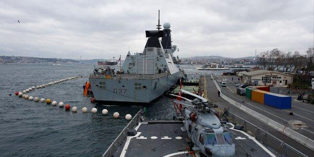 Un deuxieme navire de guerre britannique attendu dans le golfe[reuters.com]