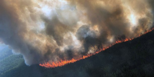 Des feux de foret sans precedent dans l'arctique[reuters.com]