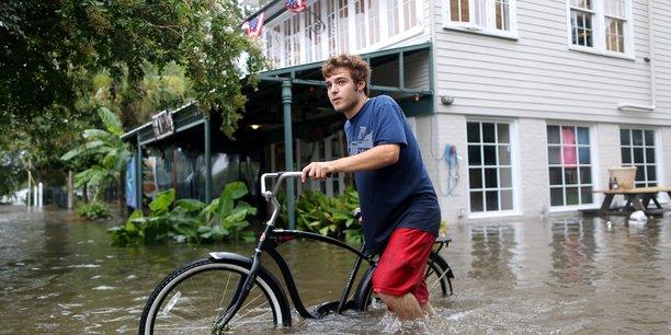 Barry touche terre en louisiane et redevient tempete tropicale[reuters.com]