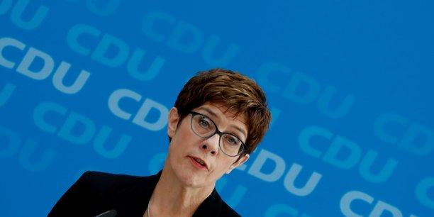 Allemagne: kramp-karrenbauer va devenir ministre de la defense[reuters.com]