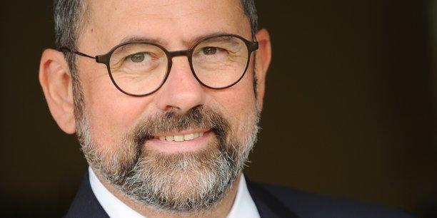 Philippe Laurent est, notamment, maire de Sceaux (Hauts-de-Seine) et secrétaire général de l'association des maires de France (AMF).
