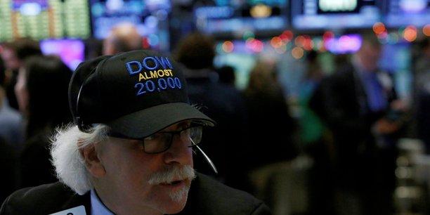 La bourse de new york finit sur une note legerement positive[reuters.com]