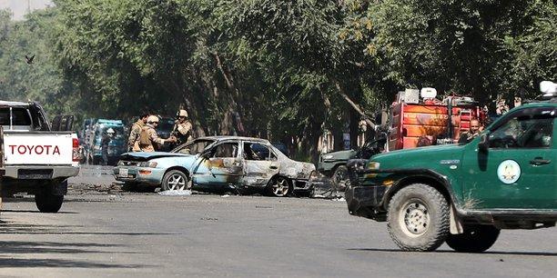 Un attentat fait six morts a l'entree d'un campus de kaboul[reuters.com]
