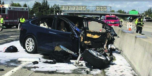 Le 23 mars 2018, en Californie, u naccident mortel impliquait uen voiture autonome Tesla équipée du logiciel «d'aide à la conduite» Autopilot.