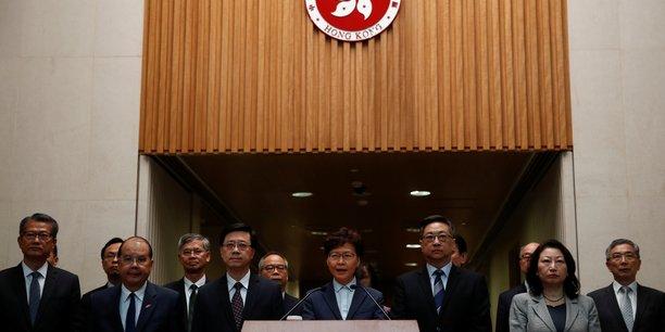 Hong kong: carrie lam critique l'attaque contre le bureau chinois[reuters.com]