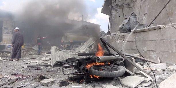 Nouveaux raids aeriens dans la province d'idlib, au moins 20 morts[reuters.com]