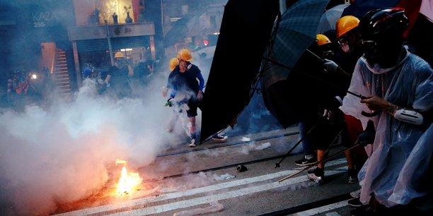 De violents heurts ont éclaté à Hong Kong.