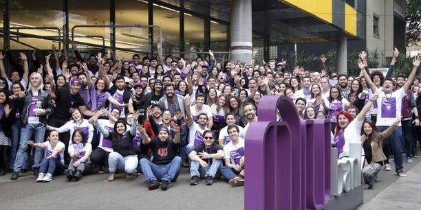 Au Brésil, la banque mobile Nubank a déjà séduit 12 millions de clients. Elle a récemment levé 400 millions de dollars pour une valorisation supérieure à 10 milliards de dollars et s'apprête à se lancer au Mexique et en Argentine.