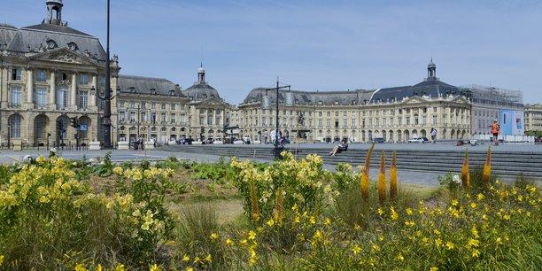 Les quais de Bordeaux ont aussi été redessinés par Tourny, comme la place de la Bourse (notre photo).
