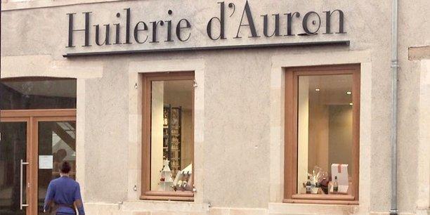 Les locaux situés au bord du canal d'Auron ont été réhabilités pour la vente et les visites.
