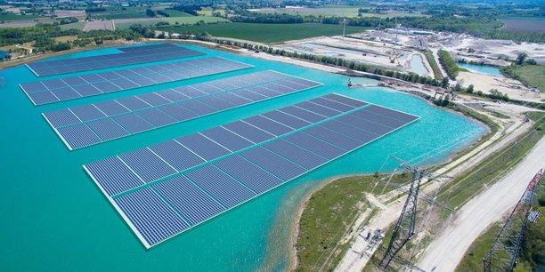 A Piolenc (Vaucluse), Akuo a développé la première centrale commerciale de solaire flottant.