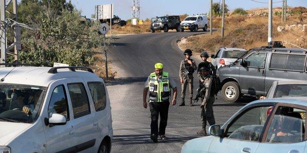 Un soldat israelien tue a l'arme blanche en cisjordanie[reuters.com]