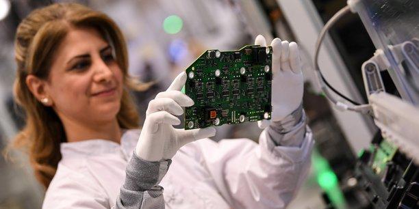 Continental compte sur la maintenance prédictive pour réduire le taux de panne, notamment sur la fabrication de cartes électroniques.