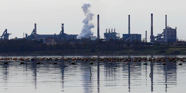 Le site sidérurgique qui emploie 12.000 personnes est stratégique pour une ville où le taux de chômage atteint le double de la moyenne nationale, à quelque 20%.