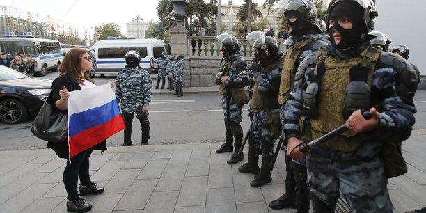 Pour le kremlin, il n'y a pas de crise politique en russie[reuters.com]